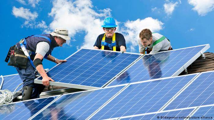 4 Ways a Solar Installation Company Can Help You Out